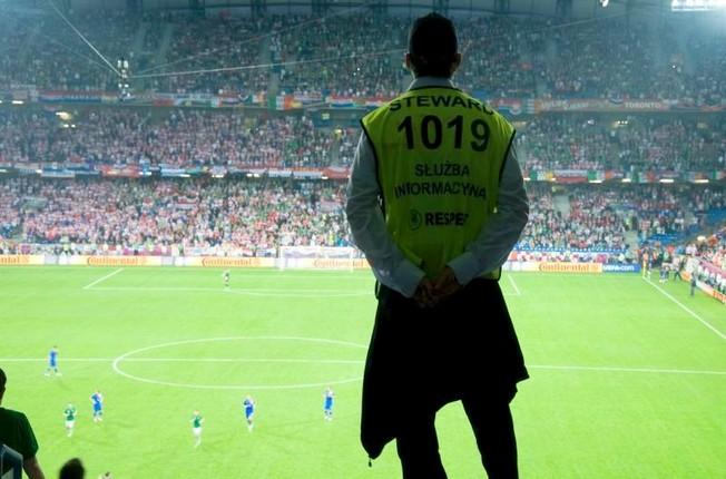Przestępczość stadionowa - Niewykonanie polecanie służb