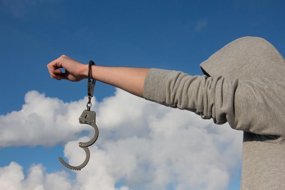Warunkowe umorzenie postępowania za przestępstwo posiadania narkotyków